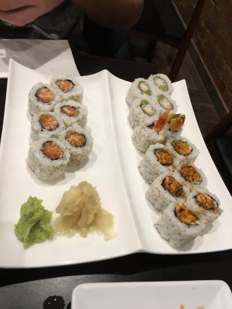 Cafe Japan : uramaki spicy salmon, tempura prawn and teryaki salmon