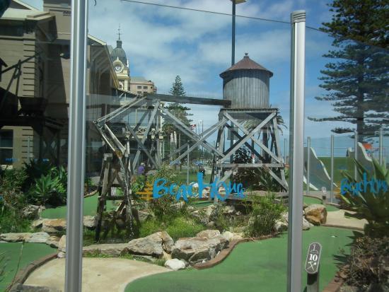 Glenelg, Australia: Crazy golf