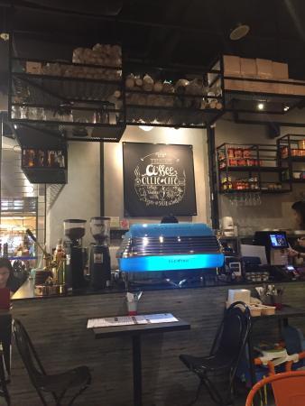 Ollie Cafe