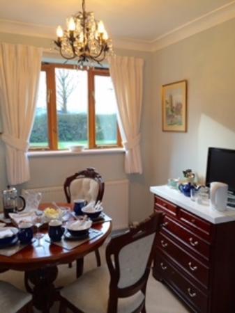 Paxford, UK: Breakfast in your room