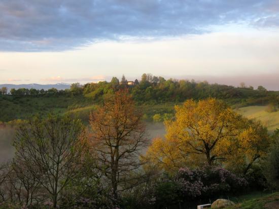 La Ferme de Maurel: Vue sur les Pyrénées
