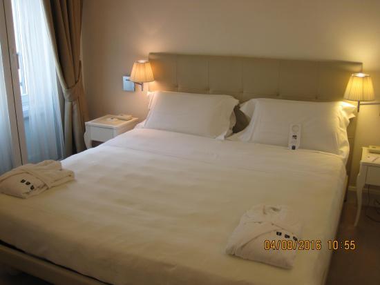 米蘭UNA梅森酒店張圖片