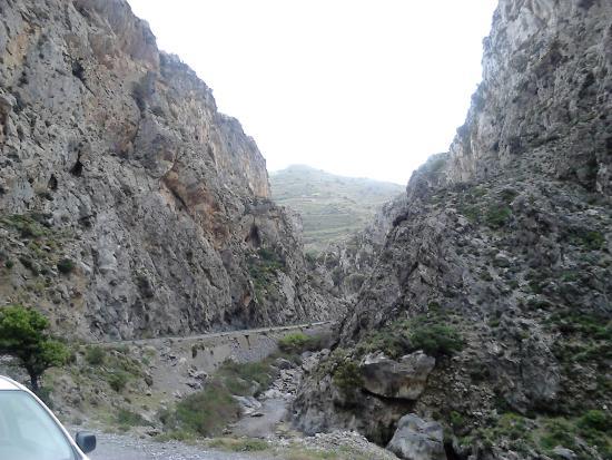 Kourtaliotiko Gorge (Курталиотское ущелье) - Picture of ...