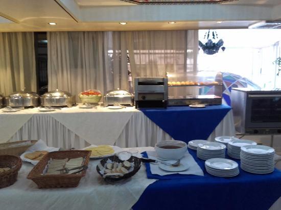 Majliss Hotel: le buffet du petit déjeuner