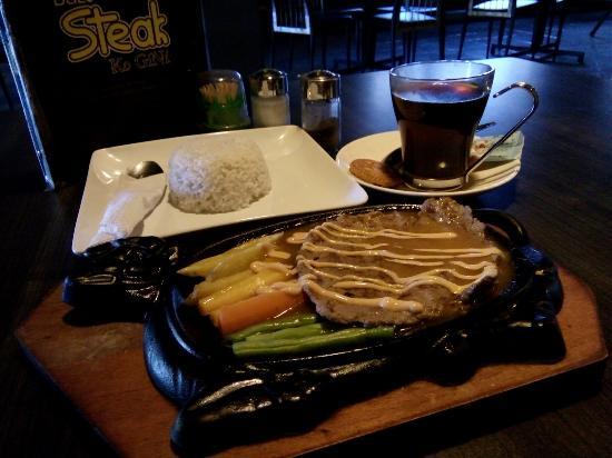 Resto Di Pusat Kuliner Purwokerto Dengan Menu Yang Wah