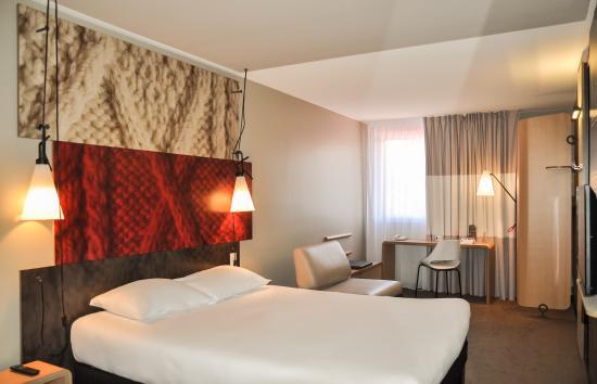 Ibis dijon centre clemenceau hotel france voir les for Prix chambre hotel ibis