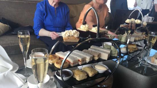 Cloud 23 afternoon tea. Over hyped