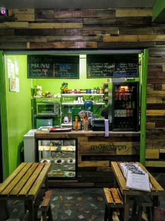 Majic Oven Bakeshop & Cafe