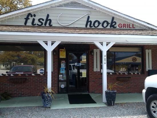 Fish Hook Grill: exterior