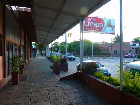 Crespo, Argentina: Galería exterior