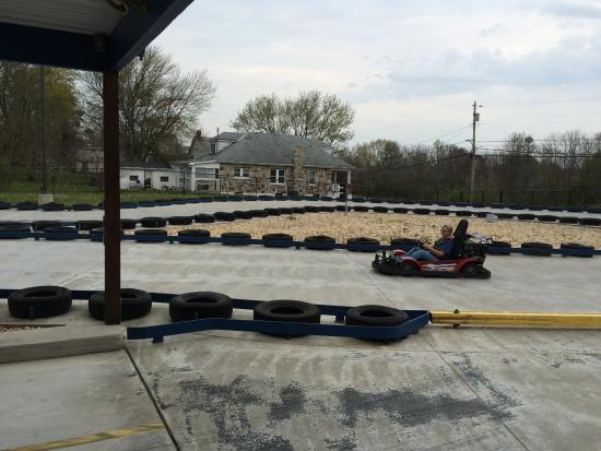 Jay Dee's Family Fun Center: Great little Go Kart track