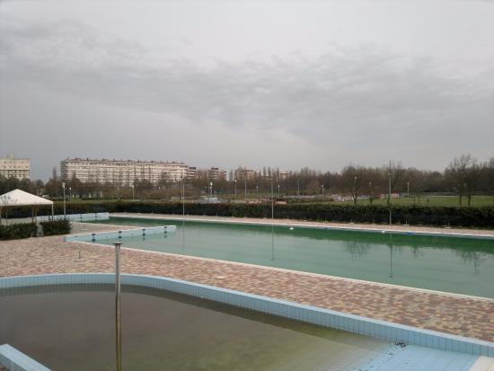Parco Albanese: Queste sono le piscine aperte d'estate, ottime