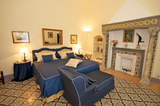 Villa Cimbrone Hotel: Deluxe Room Details