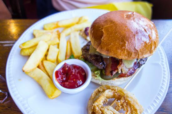 George & Dragon: Burger & Chips