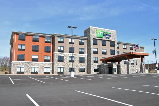 ‪Holiday Inn Express & Suites Clarion‬