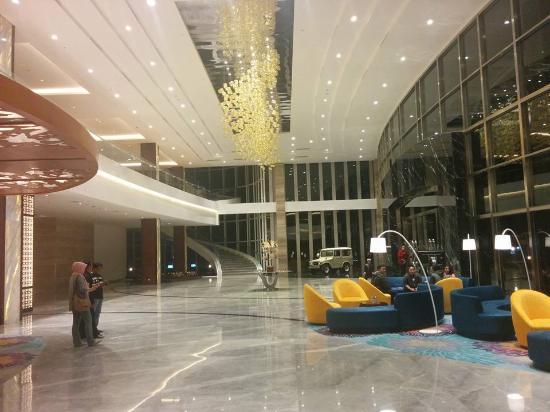 lobby picture of resinda hotel karawang managed by padma hotels rh tripadvisor com