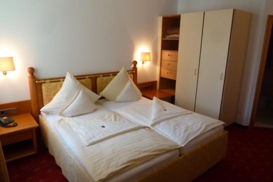 Uriges Hotel In Ruhiger Lage Am Starnberger See Landhotel Huber Am