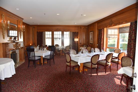 Butlers at the Mansion: 1 of the 2 dining area at Butler's