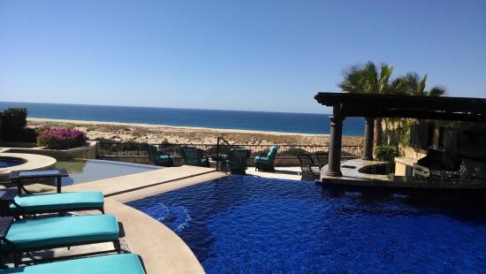 Montecristo Estates Luxury Villas : This is the view outside the master bedroom door.