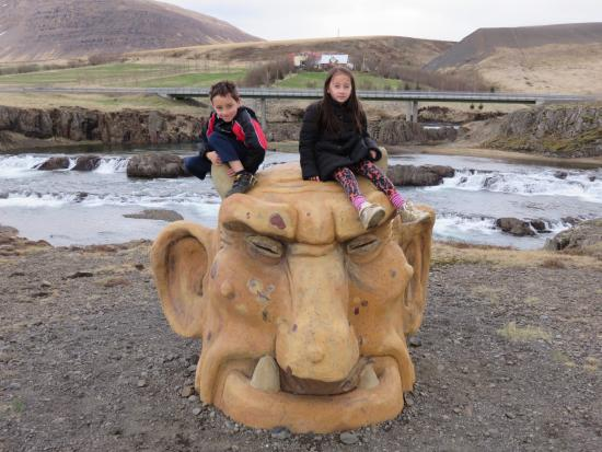 Husafell, Islandia: the trolls!
