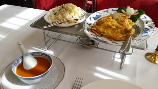 New Peking City: Chinese omelet met nasi