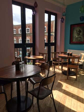 Thali Cafe Clifton: The upper level which really benefits from the floor length windows and afternoon sun during the