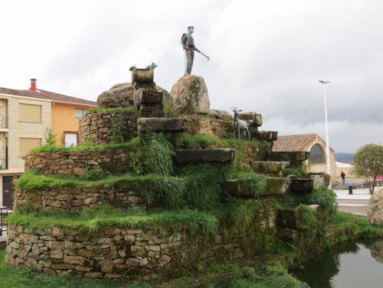 Aldeadávila de la Ribera, España: Monumento al pastor en Aldeadávila