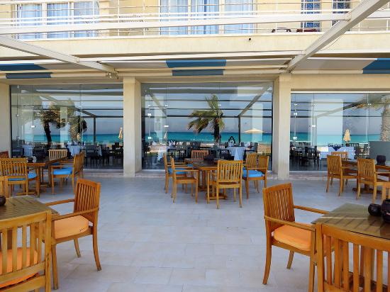 Sidi Abdel Rahman, Египет: Outdoor extension of the dining/breakfast/lunch area