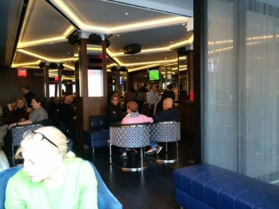hotel beacon bar at happy hour picture of hotel beacon new york rh tripadvisor ie