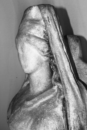 Statua della Dea Cibele: particolare