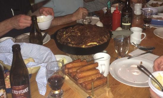Val-des-Monts, Canadá: omelette au lard, saucisses, et plein d'autres choses