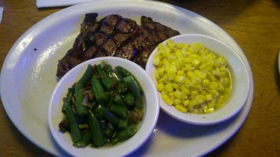 Texas Roadhouse: 10oz Ribeye With Sides Of Green Beans & Corn.