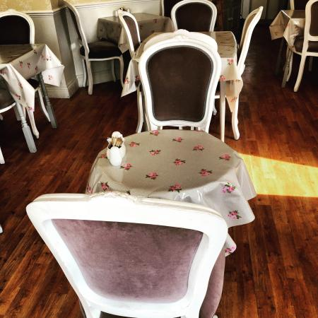 Tea on the Green: Beautiful new tablecloths