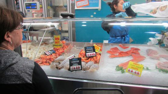 It 39 s a must go picture of queen victoria market for Fish market queens