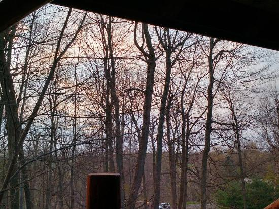 Donna's Premier Lodging: Looking at the sunset from the front porch