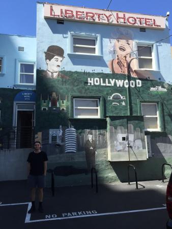 Hollywood Vip Hotel Back Entrance