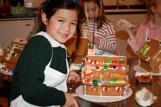 Taste Buds Kitchen NYC: Gingerbread House Decorating