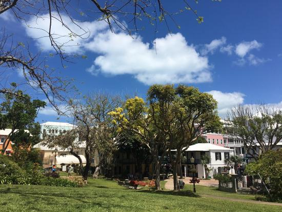 Hamilton, Bermuda: photo2.jpg