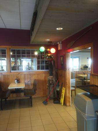 Sandwich, MA: Good food and full Bar