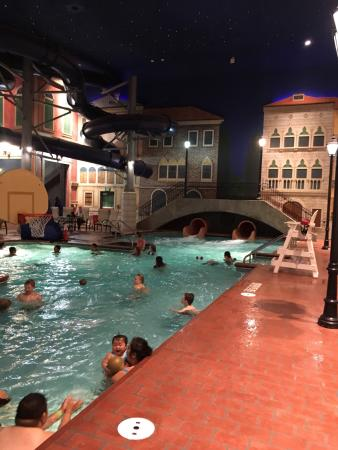 ‪‪Venetian Indoor Waterpark‬: photo7.jpg‬