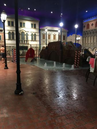 Venetian Indoor Waterpark: photo8.jpg
