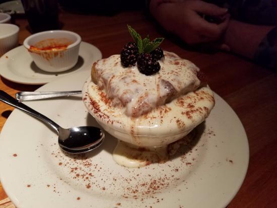 Charleston's Restaurant: Bread Pudding