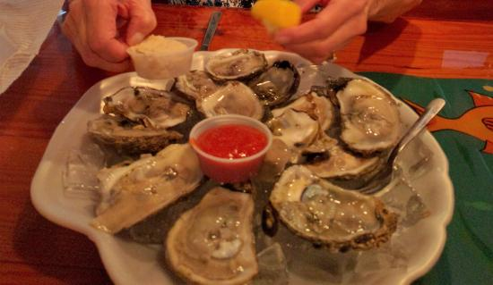 McKenna's Place NSB: Oysters are good too !