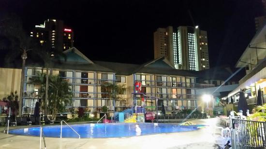 Paradise Resort Gold Coast: 20160208_203111_large.jpg