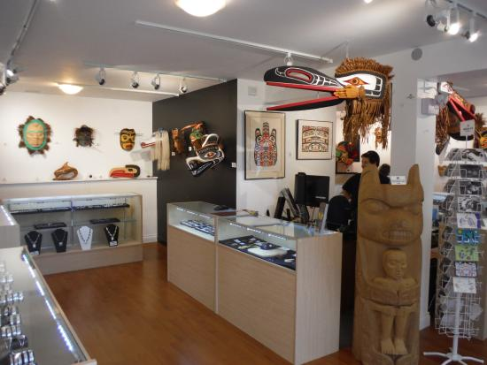Courtenay, Canadá: BEAUTIFUL GALLERY DISPLAY