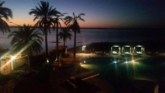 La Posada Hotel & Beach Club: Sunset... Beautiful