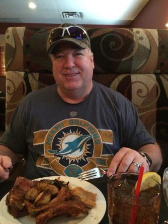 Frank's Steak & Schnitzel Haus: photo0.jpg