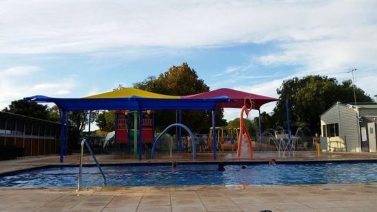 بيج4 بيتشلاندز هوليداي بارك: The water park and pool