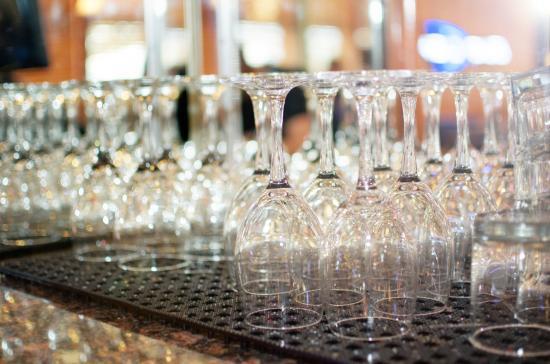 Castle Rock, CO: Full service bar