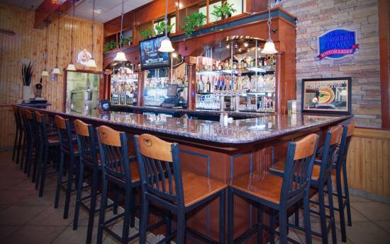 Englewood, CO: Full Service Bar